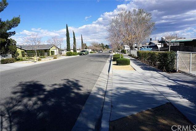 16083 Smoke Tree Street, Hesperia, CA 92345 - MLS# DW19062849 | Estately