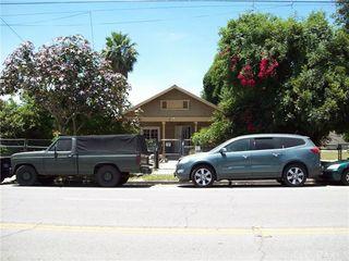 990 N Mountain View Avenue