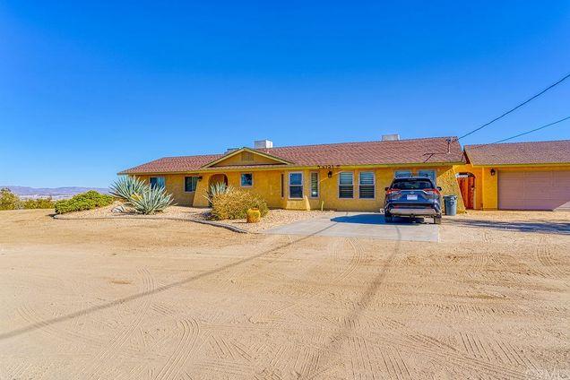6721 Desert Quail Drive - Photo 1 of 70