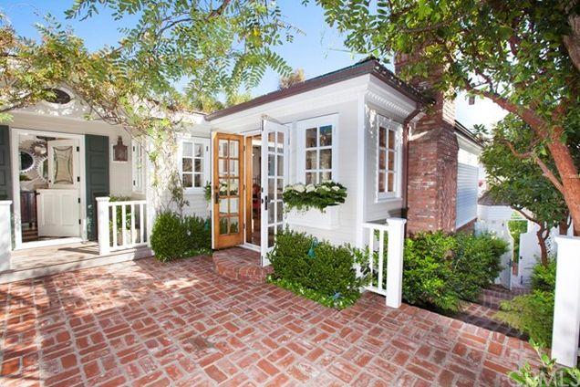 671 Sleepy Hollow Lane Laguna Beach Ca 92651 Mls Lg17091796 Estately