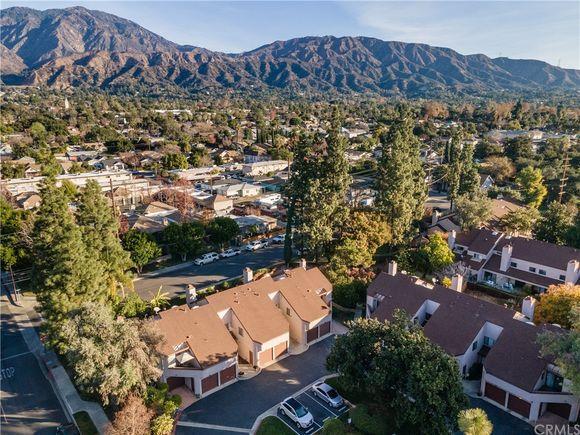 810 S Canyon Boulevard UnitD - Photo 1 of 27
