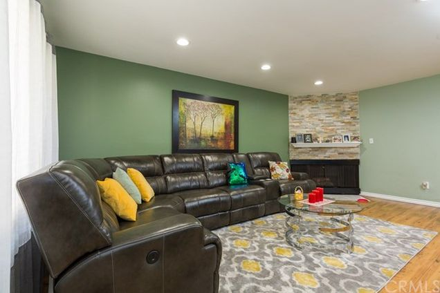 322 E Palmdale Avenue Unit 2, Orange, CA 92865 - MLS# PW18114266 ...