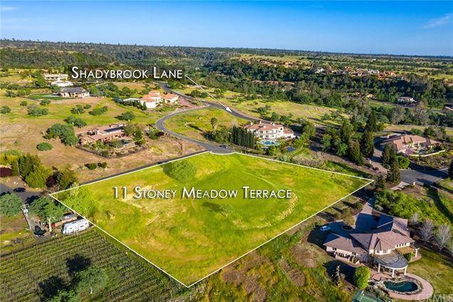 11 Stoney Meadow - Photo 1 of 13