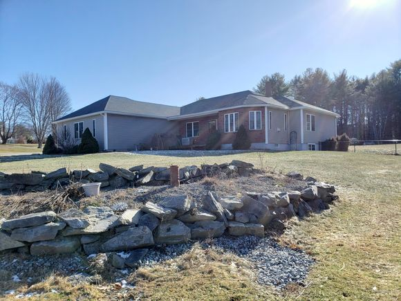 96 Frost Hill Avenue - Photo 1 of 40