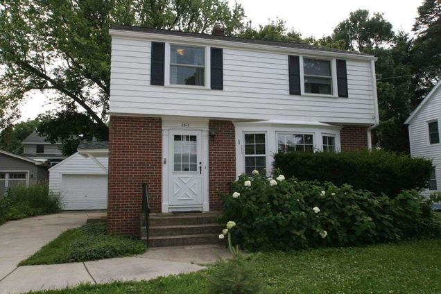 For Sale By Owner Madison Wi >> 2815 Chamberlain Ave Madison Wi 53705 Mls 1864140 Estately