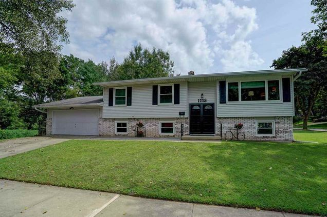 For Sale By Owner Madison Wi >> 1113 Meadowlark Dr Madison Wi 53716 Mls 1866659 Estately